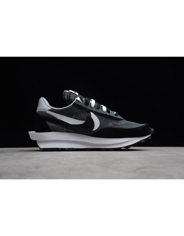 Sacai x Nike LDV Waffle Hybrid Black White Shoes F...