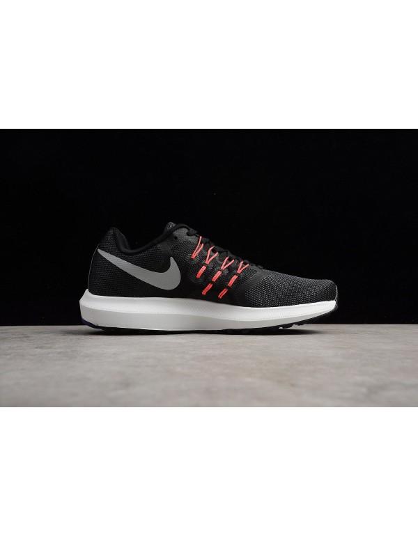 Nike Run Swift Black/Matte Silver Men's and Women'...